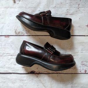 Dansko Burgundy Platform Loafer Size 9